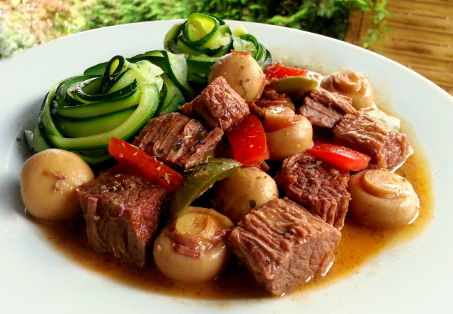 Rindergulasch low carb