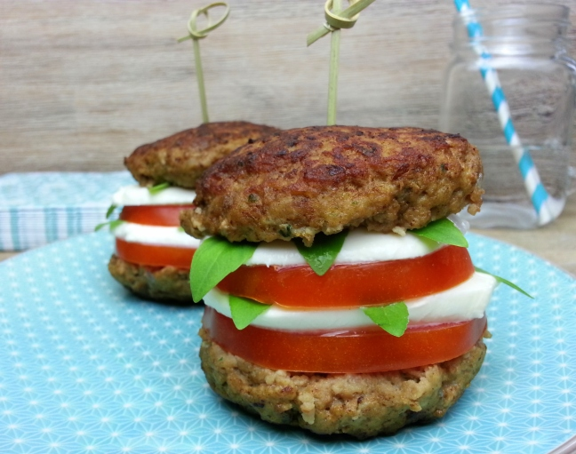 Low carb Burger Tomate Mozzarella