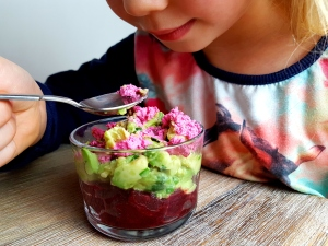 Rote Beete-Avocado Salat low carb