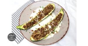 Gefüllte Zucchini low carb vegetarisch