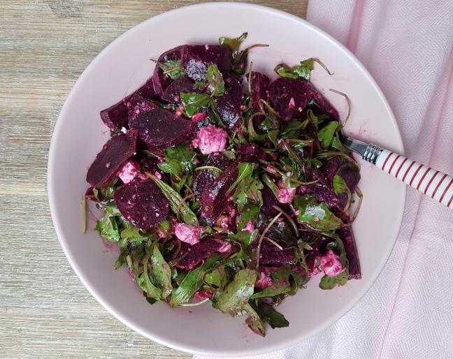 Rote Beete Salat mit Feta low carb Rezept
