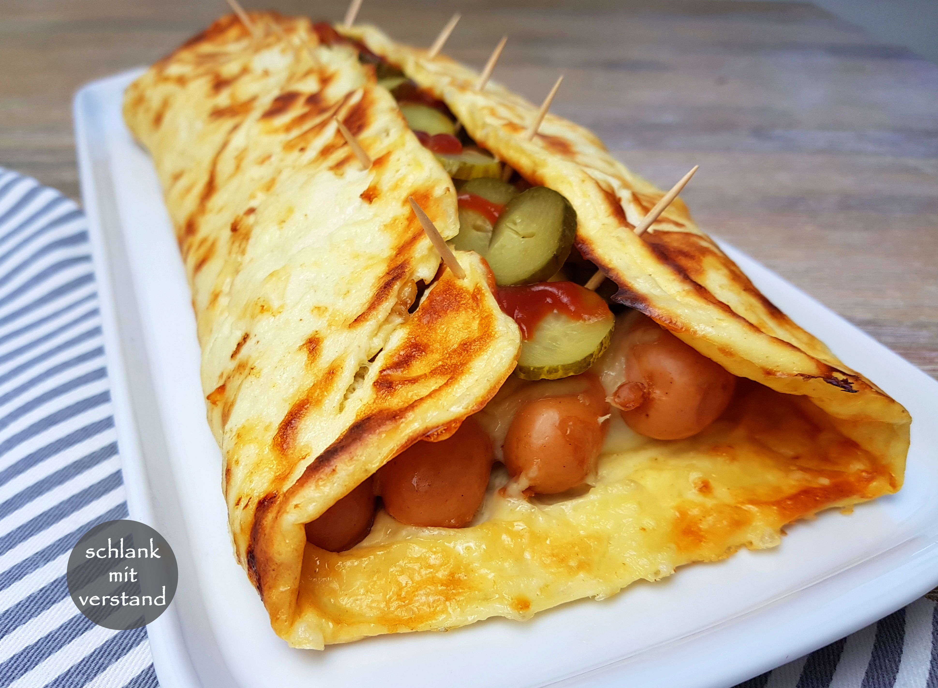 low carb Hot Dog Rolle