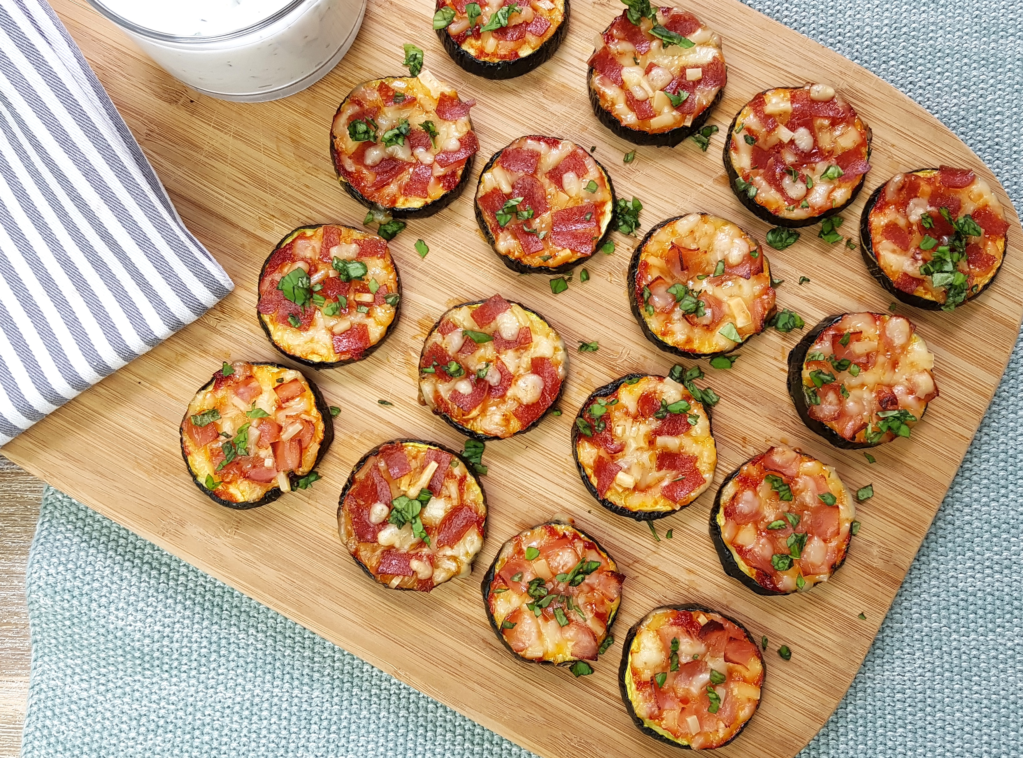low carb Zucchini Mini-Pizzen