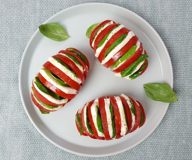 low carb Tomate-Mozzarella Fächer